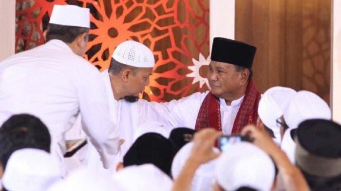 Mengenang Ustaz Arifin Ilham, Prabowo Subianto Bagikan Foto Kebersamaan dengan Sang Ustaz