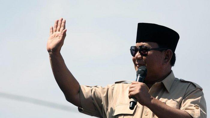 Prabowo Subianto Pamer Kue Ulang Tahun dan Tumpeng, Gambar Kartun di Kue Jadi Sorotan