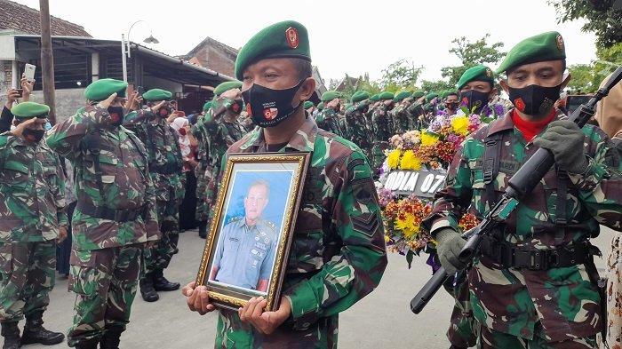 Sebelum Ajal Menjemput, Pelda Eka Budi Sempat Minta Foto Bersama Istri & Anaknya, Lalu Pamit Patroli