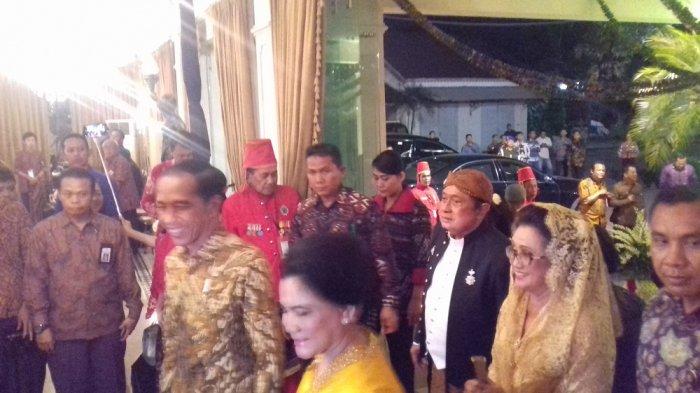 Presiden Jokowi Hadiri Syukuran Ulang Tahun ke-50 Batik Danar Hadi di Solo