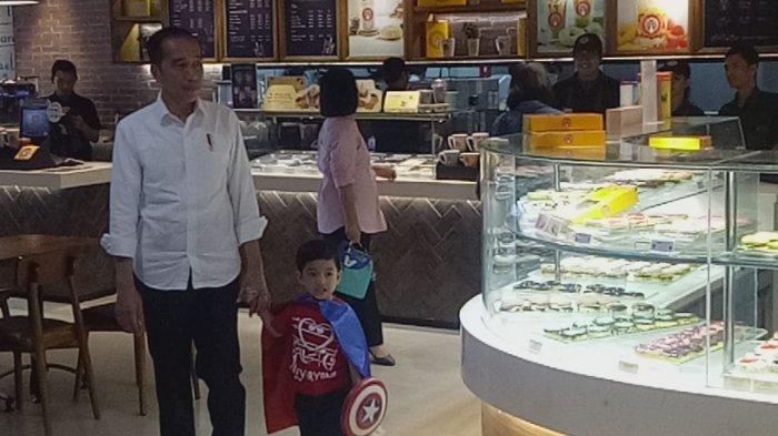 Jan Ethes Putra Gibran Merengek ke Jokowi saat di Hartono Mall: Kek, Ayo Main Kek