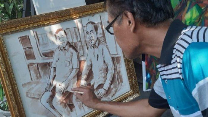 Lewat Lukisan, Seniman Solo Abadikan Momen Pertemuan Jokowi dan Prabowo di MRT