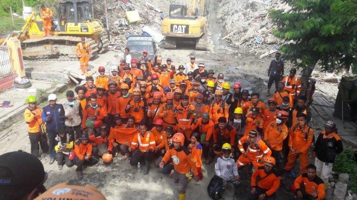 proses-pencarian-korban-likuifaksi-di-kelurahan-petobo_20181012_082745.jpg
