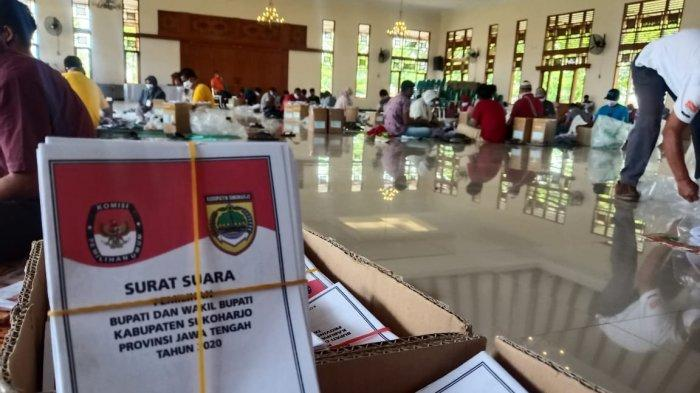 Puluhan Orang Ikut Lipat Surat Suara Pilkada Sukoharjo 2020 Selama Tiga Hari, Segini Gajinya