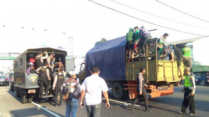 Tertahan di Kartasura, Puluhan Bonek Gagal Nonton Persebaya di Yogyakarta