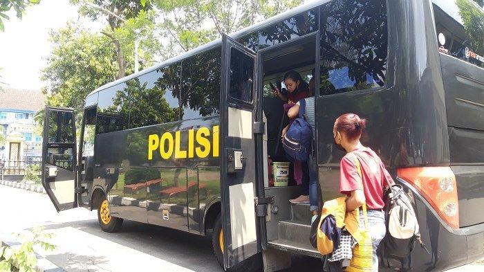 Puluhan Mahasiswa Papua di Solo Gelar Makrab di Tawangmangu, Polisi Fasilitasi Bus hingga Pengamanan