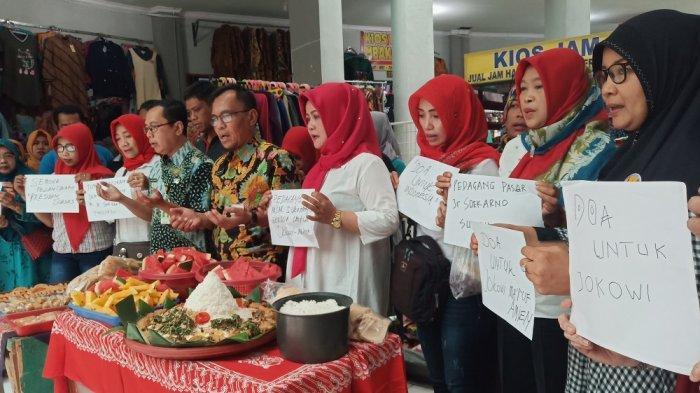 Ingin Pelantikan Presiden Berjalan Lancar, Pedagang Pasar Ir Soekarno Sukoharjo Gelar Doa Bersama