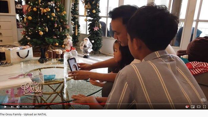 Ruben Video Call Paman dan Ayah Kandung Betrand Peto di Hari Natal, Cara Bicara Betrand jadi Sorotan