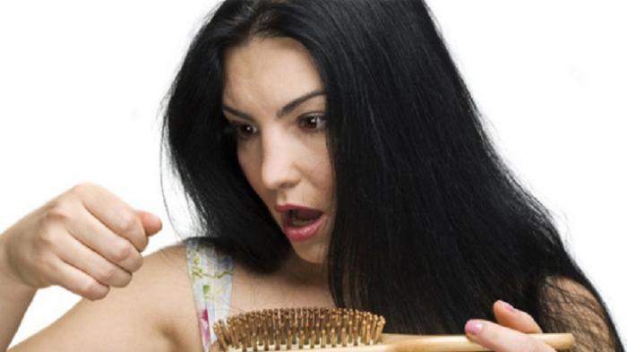 Cara Mengatasi Rambut Rontok Berlebih, Lakukan 6 Tips Mudah Berikut Ini