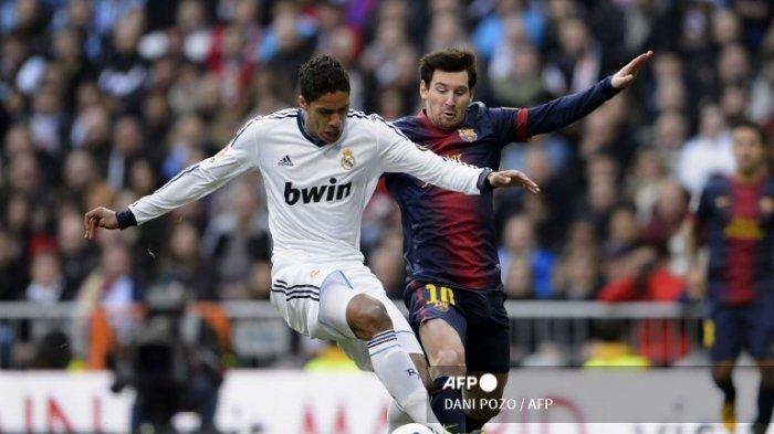 Raphael Varane saat bertanding melawan Messi