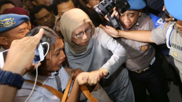Ini Komentar Ratna Sarumpaet Setelah Dibawa Polisi ke Rumahnya untuk Proses Penggeledahan