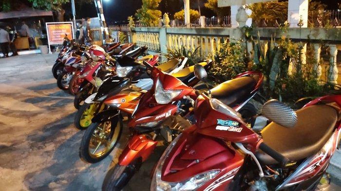 Pakai Knalpot Brong, Puluhan Sepeda Motor Diamankan Polsek Pasar Kliwon : Langsung Ditilang