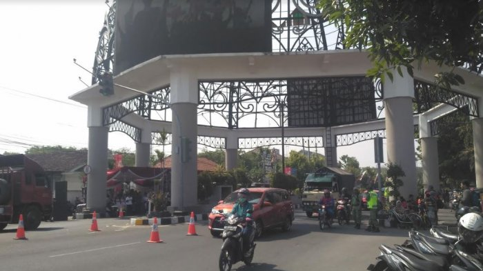 Resmi, Jalan Adi Sucipto Wilayah Solo Ditutup Per 16 Juli : Mulai Tugu Makutho Sampai SPBU Manahan