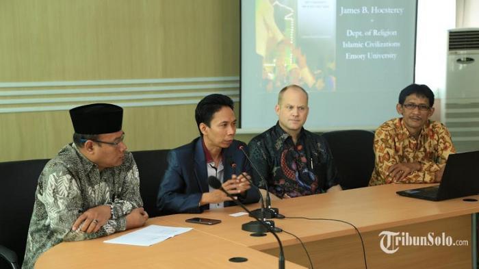 Cerita Rektor IAIN Solo saat Tahu Nomor dan Fotonya Dipakai Oknum untuk Chat 'Nakal' Pijat Plus