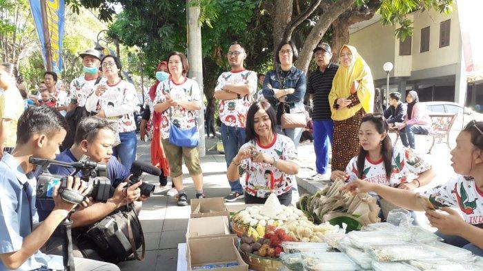 Gelar Tasyakuran Kelahiran La Lembah Manah, Relawan Kagege Bagikan 500 Nasi Tumpeng di CFD Solo