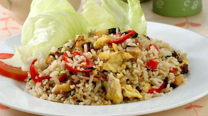 Cara Membuat Nasi Goreng Ikan Asin : Rahasia ala Resto, Tambahkan Minyak Wijen Jelang Diangkat