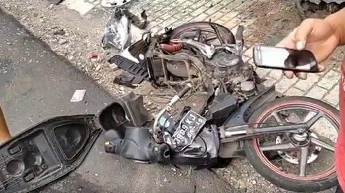 Potret Motor Hancur Lebur Usai Kecelakaan di Prambanan Klaten, Pemotor Meninggal Seketika di Lokasi