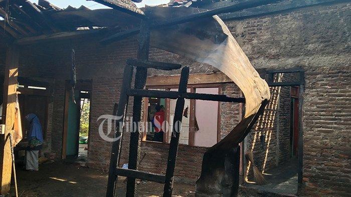 Bak Petir di Siang Bolong, Wanita Karangpandan Ini Kaget Rumahnya Terbakar saat Rewang ke Tetangga