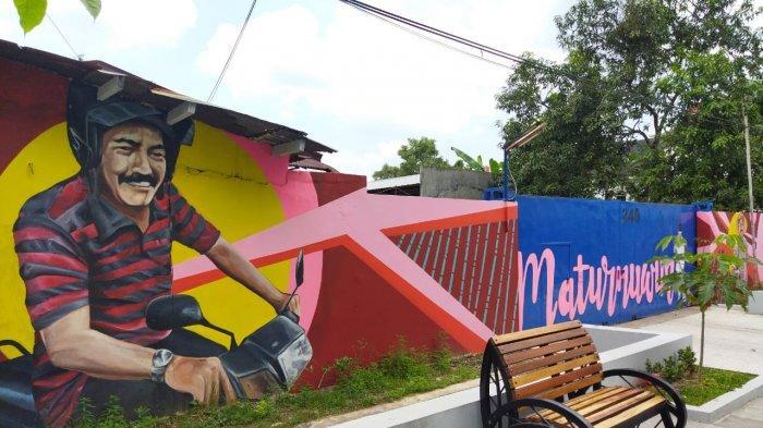 Salah satu gambar mural FX Hadi Rudytamo di salah satu sudut Kota Solo
