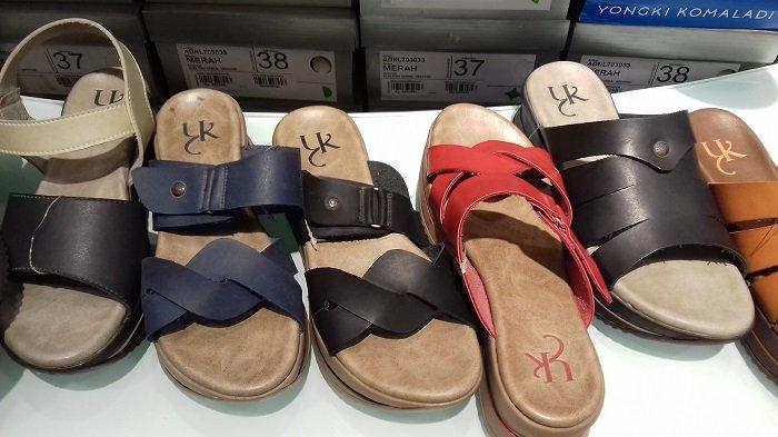 Sandal Prempuan Yongki Komaladi Ini Harganya Diskon 50% di Matahari Solo Grand Mall
