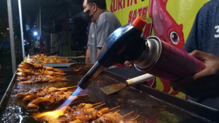 Jualan Sate Cumi Bakar Manahan ala Street Food Bangkok, Murah Meriah Tapi Sehari Dapat Rp 1,5 Juta