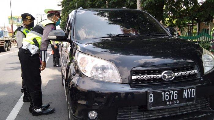 Perbatasan Provinsi Jateng-DIY Dijaga Ketat Polisi, Sudah 30 Kendaraan Pemudik Diminta Putar Balik
