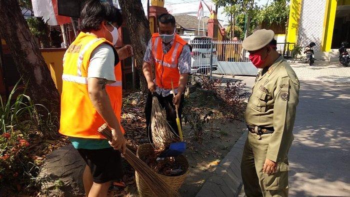 70 Orang Terjaring Razia Masker di Kartasura, 41 Orang Bayar Denda Rp 50 Ribu, Sisanya Nyapu Taman