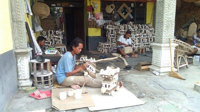 Sempat Kolaps karena Krisis Amerika Serikat, Industri Rotan Desa Trangsan Sukoharjo Mulai Bangkit