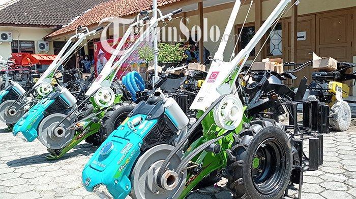 Bak Kejatuhan Durian Runtuh, Petani Wonogiri Dapat 496 Alsintan, di Antaranya Ada Sejumlah Traktor