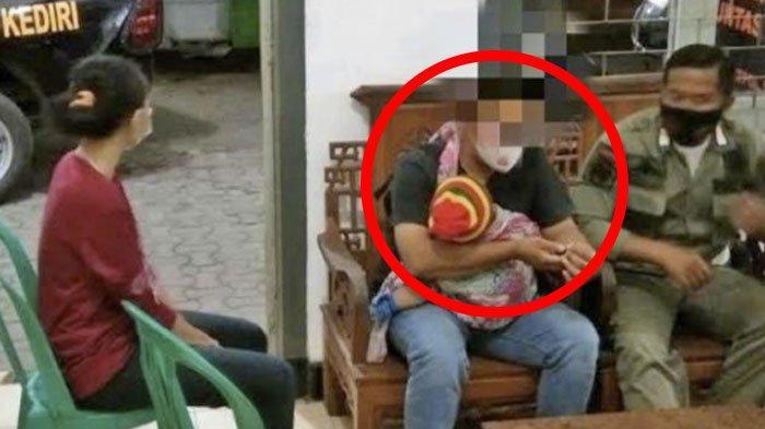 Pilu, Sambil Gendong Anaknya Pakai Jarik, Pria di Kediri Datangi Istri yang Selingkuh di Kamar Kos