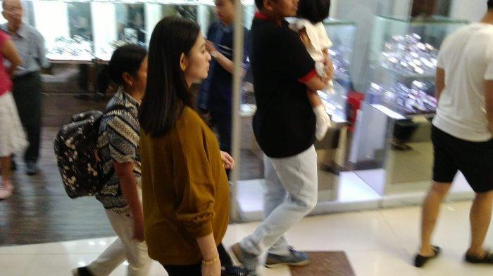 Selvi Ananda Berbadan Dua, Turut Jadi Perhatian dan Didoakan Pengunjung Solo Paragon Mall