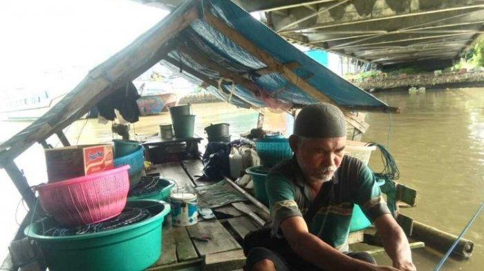 Viral Kisah Pilu Seorang Kakek Tinggal di Perahu Selama 4 Tahun, Ternyata Begini Kisah di Baliknya