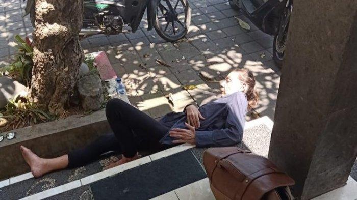 Bule Asal Inggris Diduga Depresi Buat Onar di Bali, Lempari Mobil dan Hampir Telanjang