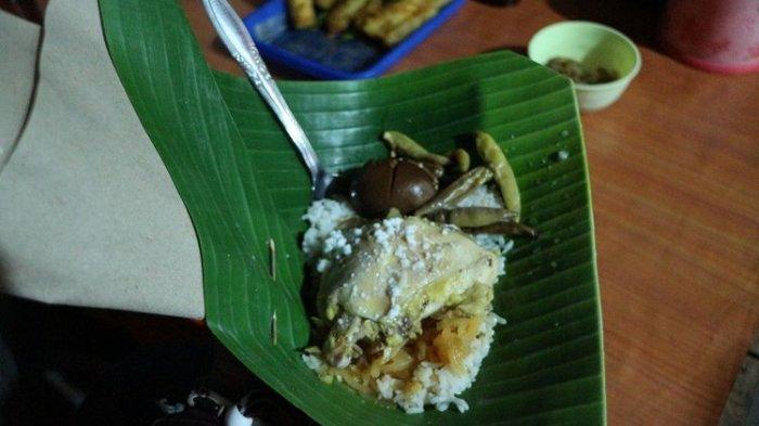 Nasi Liwet Yu Sani, Kuliner Malam Wajib Dicoba Saat Berlibur di Sukoharjo