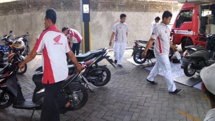 Kunjungan Tim Astra Motor Jateng ke Kantor Tribunnews Solo, Puluhan Motor Honda Diservis Gratis