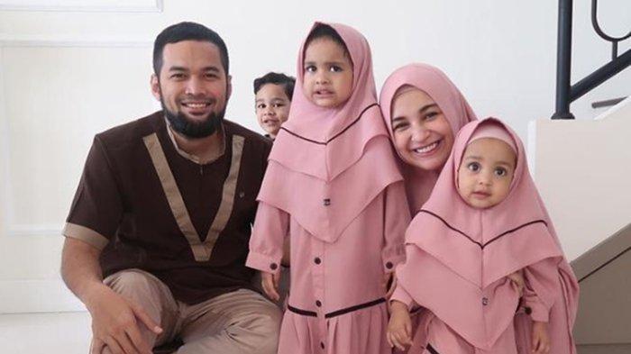 Shiren Sungkar Teuku Wisnu dan 3 anak mereka