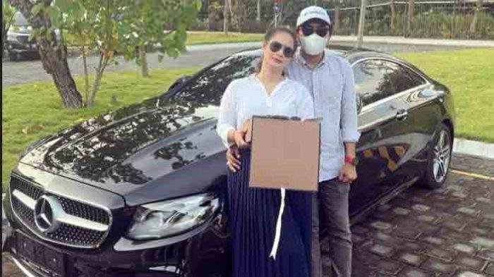 Cerita Shyalimar Malik Terima Hadiah Valentine Senilai Rp 2,5 Miliar, Mercy Baru hingga Uang Dolar