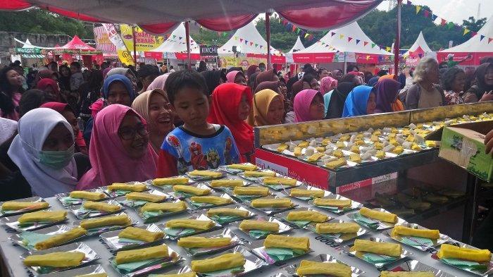 2.500 Sosis Dibagi Gratis di Solo Indonesia Culinary Festival 2019, Ludes Tak Sampai 30 Menit