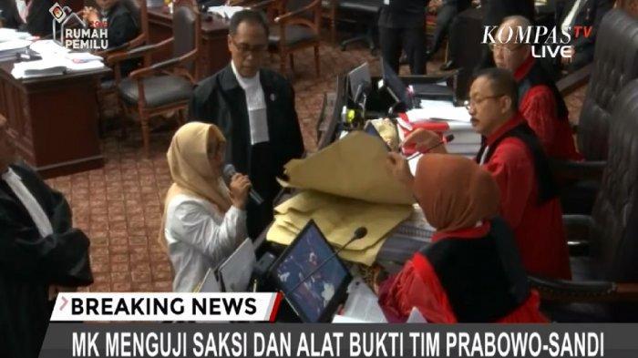 Komisioner KPU Keberatan dengan Kesaksian Saksi Prabowo-Sandi soal Pemindahan Kotak Suara