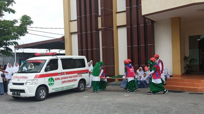 Ratusan Siswa Al Azhar Solo Baru Gelar Simulasi Bencana Tanggap Bencana
