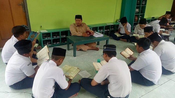 SMP IT Nur Hidayah Solo yang Keluarkan Siswi karena Ucapan Ultah, Disdik Solo Arahkan Satu Hal Ini