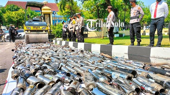 Ribuan Knalpot Brong di Solo Dimusnahkan: Dilindas Alat Berat dan Dipotong
