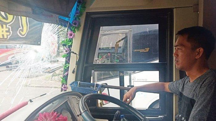 Polisi Duga Kejadian Pecah Kaca Mobil di Karanganyar Karena Pantulan Batu, Bukan Lemparan Orang