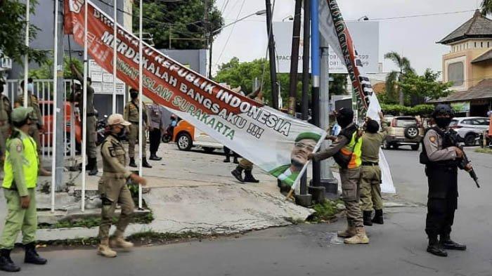DTP PA 212 Jateng Memaklumi Penurunan Baliho Habib Rizieq di Solo, Sebut Dilakukan Oleh Satpol PP