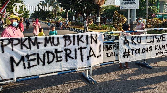 Sempat Tercekik Penutupan Jalan, Kini PKL Kuliner Malam di Solo Baru Sukoharjo Mulai Berjualan Lagi