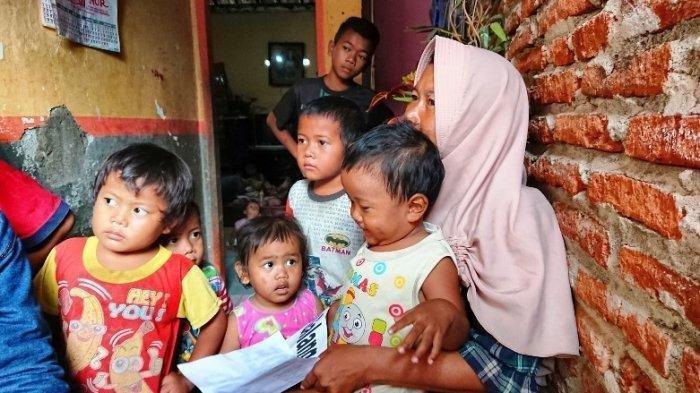 Perjuangan Sriyati, Janda 16 Anak Pemalang : Jualan Es Cendol, Tak Cukup Tutup Utang Mendiang Suami