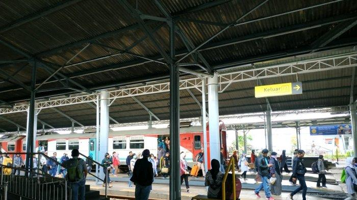 Selama Libur Nataru, Parkir Mobil di Stasiun Solo Balapan Bisa Tampung 300 Unit, Biasanya 150 Unit