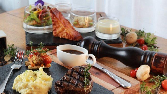 Steak Republic merupakan signature menu dari Agra Rooftop