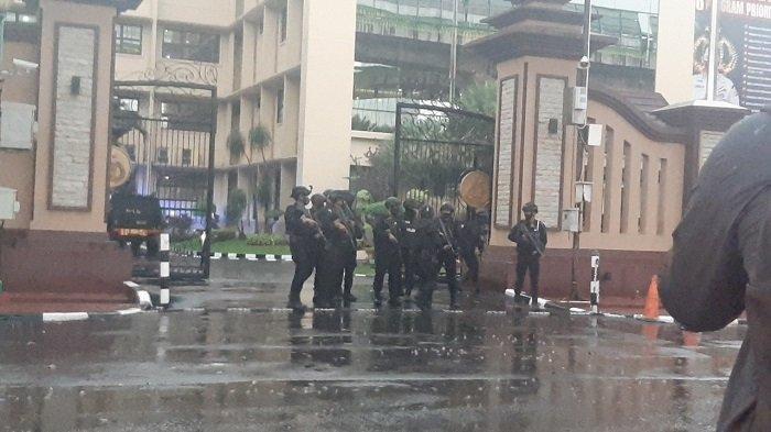 Suasana di Mabes Polri setelah diserang terduga teroris pada Selasa (31/3/2021).