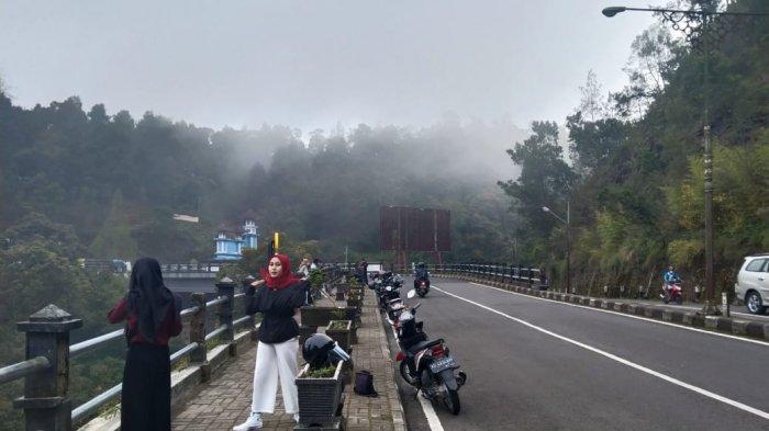 2 Pekan Jelang Lebaran, Perbatasan Karanganyar-Magetan Sepi, Wisatawan Swafoto di Jembatan Bancolono